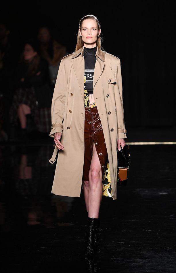 Suvi Riggs esitteli  New Yorkissa Versacen tämän syksyn muotia.