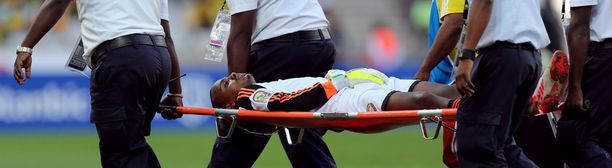 Etiopian maalivahti Jemal Tassew kannettiin paareilta pois kentältä. Hän sai myös punaisen kortin.