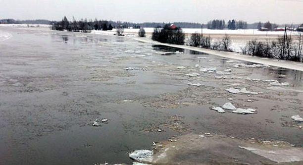 Kokemäenjoki tulvii Satakunnassa.