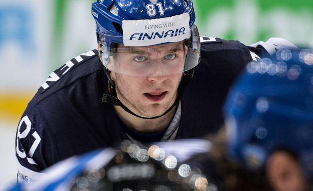 Iiro Pakarinen jännitti Pikkuleijonien MM-finaalia.