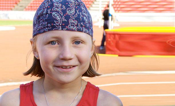 Reetta Hurske 10-vuotiaana Ratinan stadionilla Tampereella kesällä 2005.