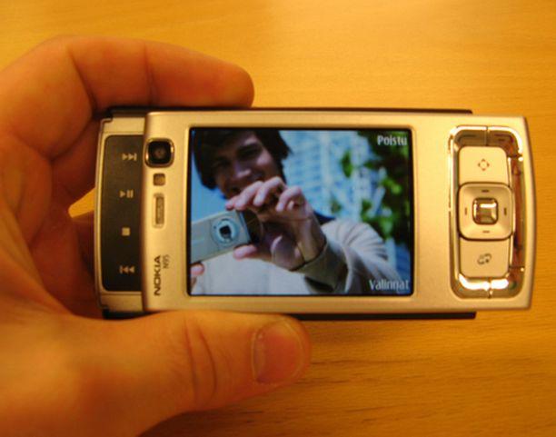 Nokia N95:n näyttö on puhelimen parasta antia.