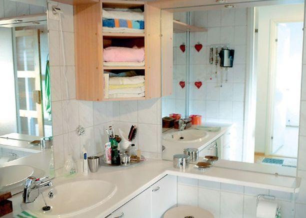 Monen menestyjän kylpyhuoneessa on isoja peilejä.