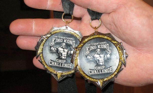 Vuoden 2015 King Kong -kilpailussa Joronen voitti yli 50 -vuotiaiden sarjan ja yliraskaansarjan.