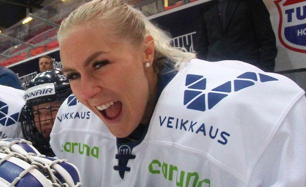 Meeri Räisänen taistelee TE-toimiston kanssa.