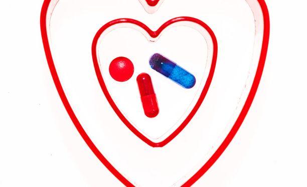 Pahaa kolesterolia voi taltuttaa tekemällä muutoksia ruokavalioon, mutta hyvin moni joutuu turvautumaan statiinilääkkeisiin.