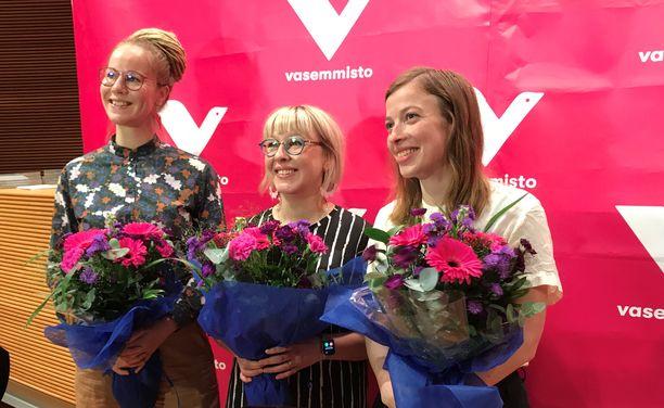 Vasemmistoliiton ministerit tulevassa hallituksessa ovat Li Andersson (oikealla), Aino-Kaisa Pekonen ja Hanna Sarkkinen.