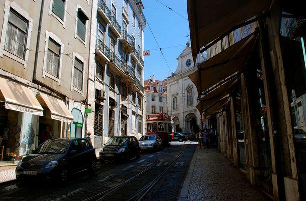 Lissabon on muutenkin suosittu kaupunkilomakohde. Toukokuussa erityisen kiinnostava.
