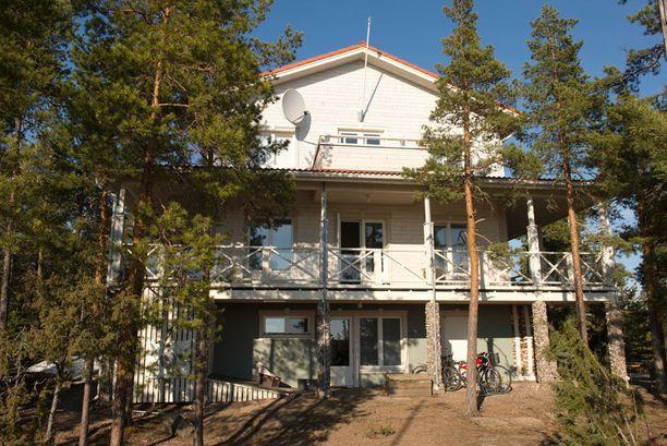 Mikkosten upea talo valmistui vuonna 2005.