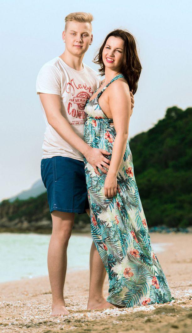 Nina saapui paratiisisaarelle yhdessä poikaystävänsä Jeren kanssa.