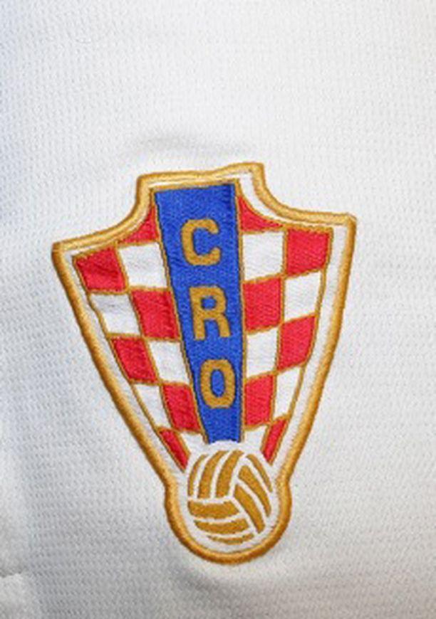 Poliisi kertoo, että miehen housuissa oli tällainen Kroatian maajoukkueen logo.