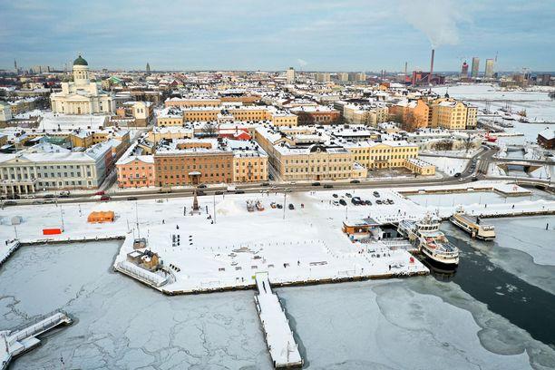 Kuluneen viikon pakkaset ovat saaneet Helsingin rannikonkin paikoin jo jäätymään. Kantavaksi jäätä ei voi vielä sanoa.