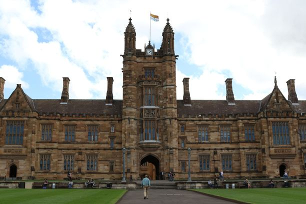 Sydneyn yliopiston päärakennus.