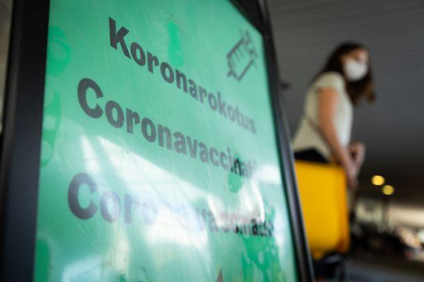 Koronarokotuspiste Helsingin Malmilla elokuussa 2021.