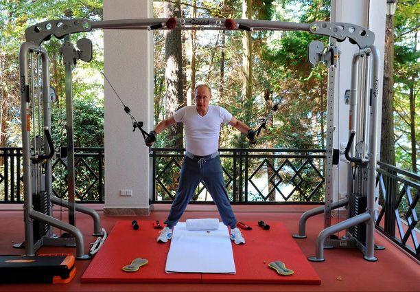 Putin keräsi ruokahalua treenaamalla.
