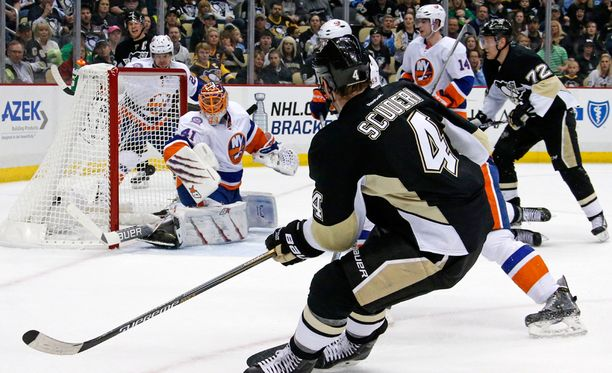 Penguinsin peruspakki Rob Scuderi teki itselleen harvinaisen maalin, mutta Pittsburgh taipui kotitappioon NY Islandersia vastaan.