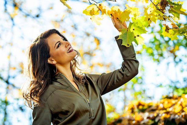 Janni Hussin syksyyn kuuluu töitä, uuden kämpän sisustamista ja uusi parisuhde.