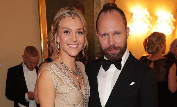 Jenni ja Tuomas Milonoff itsenäisyyspäivänä 2016 Linnan juhlissa.