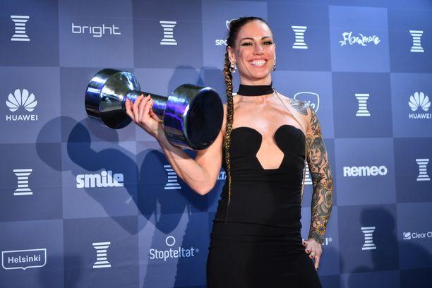 Eva Wahlström sai Esikuva-palkinnon.