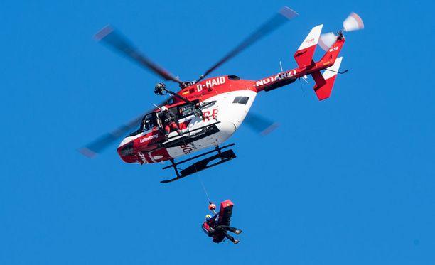Valentin Giraud Moine vietiin ulosajon jälkeen helikopterilla sairaalaan.