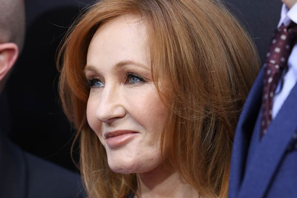 J.K. Rowling vaatii ex-työntekijältään korvauksia.