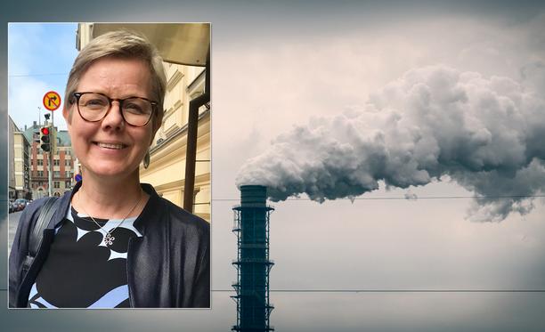 Krista Mikkosen mukaan hallituksen tavoitteena on, että yritykset luopuisivat fossiilisten polttoaineiden käytöstä.