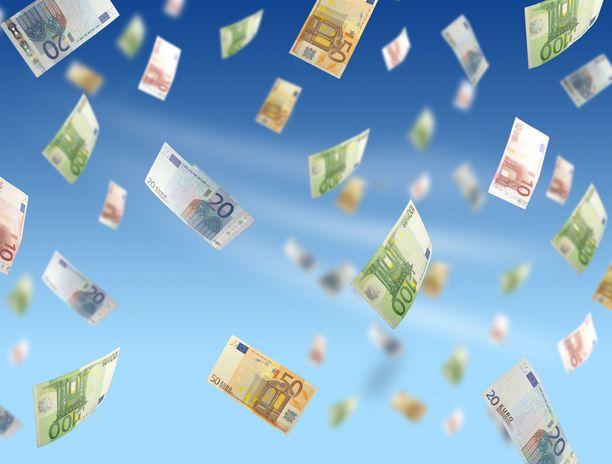EU-maiden johtajat hyväksyivät viime heinäkuussa 750 miljardin euron elvytyspaketin, jonka avulla Euroopan talouskasvu yritetään saada vauhtiin koronakriisin jälkeen.