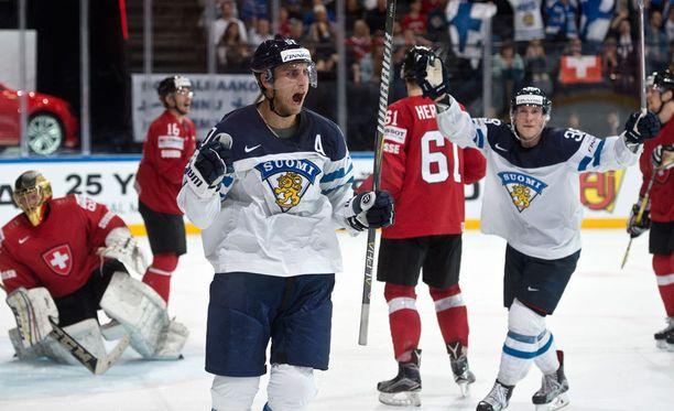 Leijonat eteni vaikeuksista huolimatta puolivälieriin. Sunnuntain Sveitsi-voitto riitti, kun Kanada kaatoi Norjan.