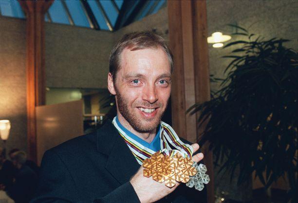Mika Myllylä voitti 20 vuotta sitten kolme MM-kultaa ja yhden hopean. Kaikki mitalit tulivat henkilökohtaisilta matkoilta.
