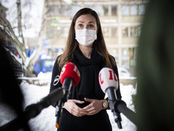 Pääministeri Sanna Marin (sd) avasi Navalnyi-kannan muodostamista ennen hallituksen koronaneuvotteluja Säätytalolla.