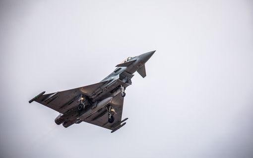 Eurofighter Typhoon kohtasi heti Suomen karut olot – luvassa lento ilmavoimien Hornet- ja Hawk-hävittäjiä vastaan