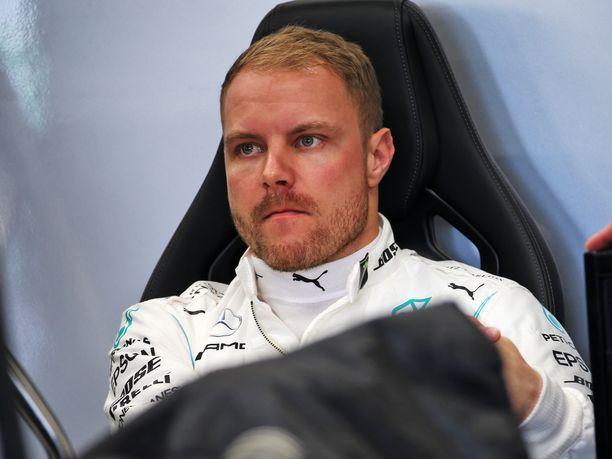 21 osakilpailun mittainen F1-kausi päättyy viikon kuluttua, Valtteri Bottas on järjestellyt itselleen ajohommia heti talviloman ensimmäiselle viikolle.