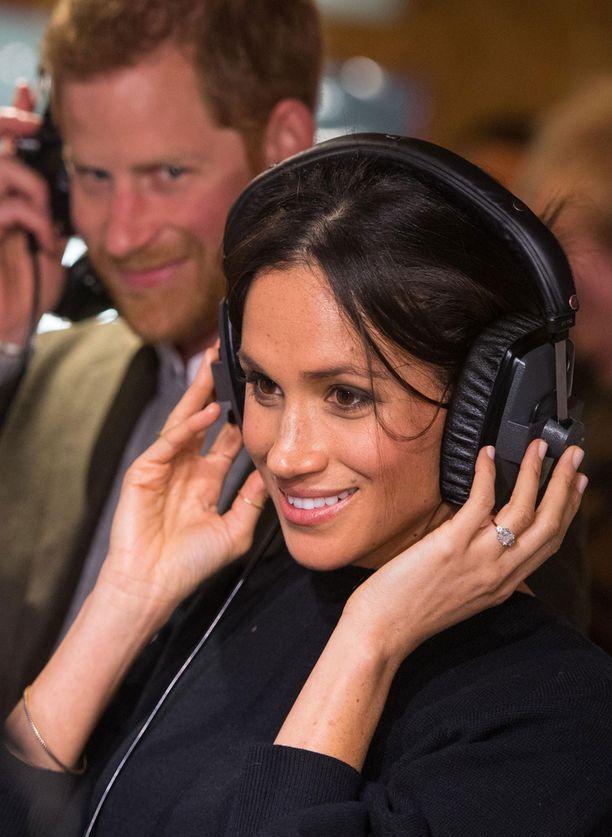 Meghan ja Harry kuuntelivat radioasemalla Flirt-nimisen kappaleen.