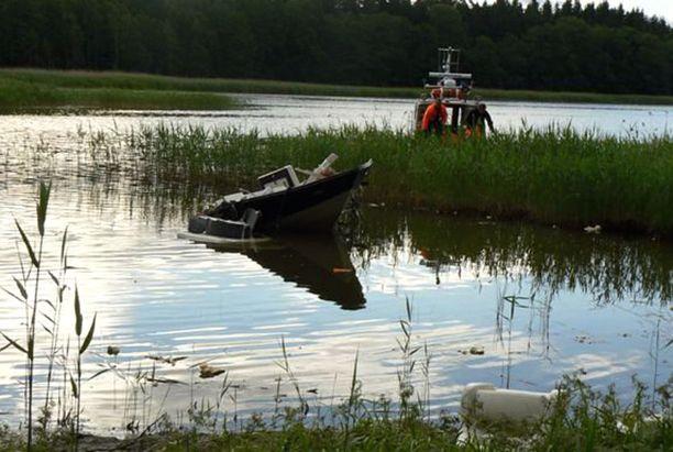 Järvilehdon epäillään syyllistyneen toissa viikon perjantaina rikokseen veneturmassa, jossa hänen ystävänsä kuoli.