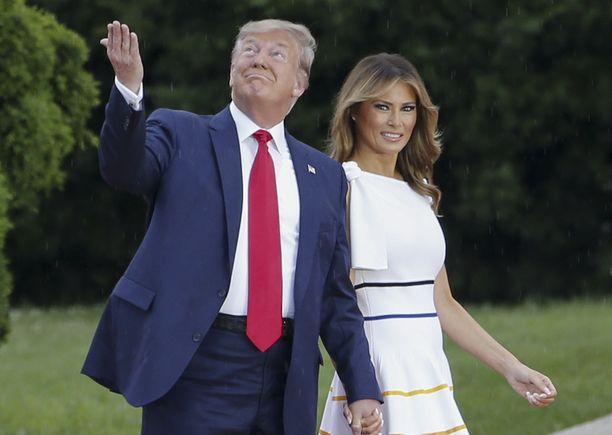 Donald ja Melania Trump edustivat yhdessä.