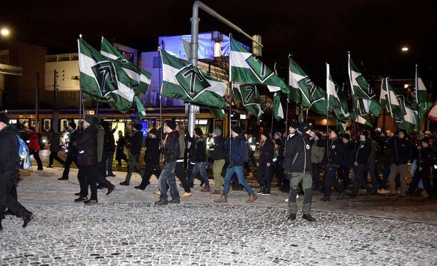 Suomen vastarintaliike osoitti mieltään itsenäisyyspäivänä.