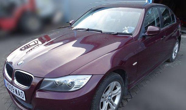 Yhden teorian mukaan hermomyrkkyä levitettiin Skripalin BMW:n ilmastoinnin kautta.