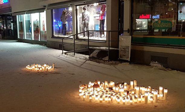 Lauantain ja sunnuntain välisenä yönä imatralaisravintolan edessä mies ampui kolme naista.