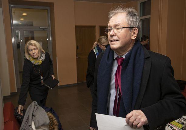 Ex-kansanedustaja ja kotkalainen kaupunginvaltuutettu Pentti Tiusanen on kuollut.