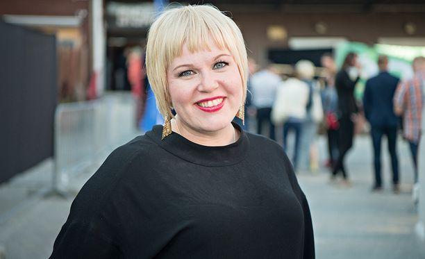 Perhe- ja peruspalveluministeri Annika Saarikko (kesk).