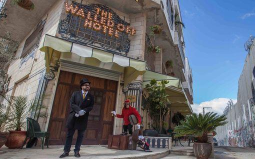 """Hotelli, josta on maailman surkein näköala - sviitti sopii """"korruptoituneille valtionpäämiehille"""""""