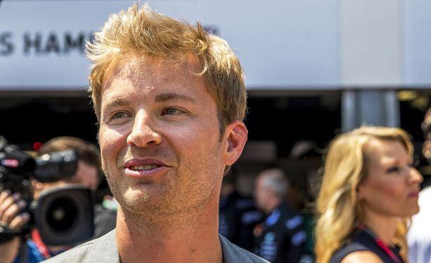 Nico Rosbergin MM-pokaali oli usean päivän ajan kadoksissa.