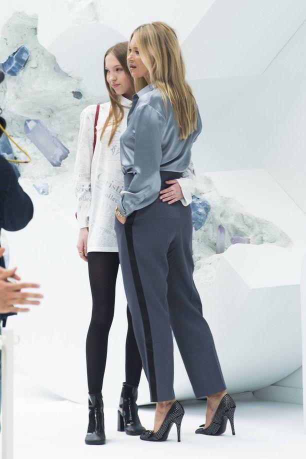 Lila Grace on Marc Jacobsin tuore muusa. Marc Jacobs on kertonut julkisuudessa, että tyttö teki jo lapsena häneen vaikutuksen.