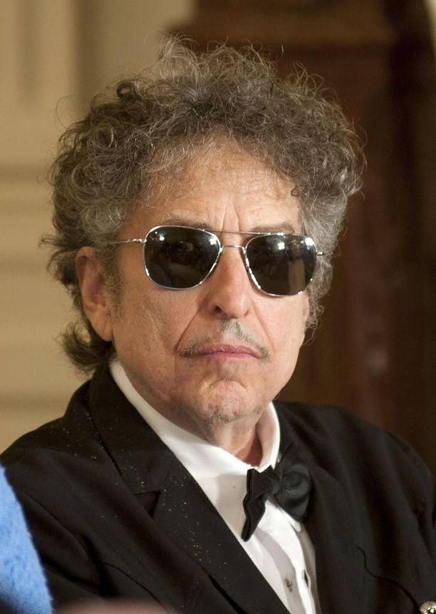 Dylan on ollut naimisissa Sara Lowndesin kanssa (1965-1977), sekä Carolyn Dennisin kanssa (1986-1992). Muusikolla on viisi lasta, joista poika Jakob Dylan soittaa ja laulaa Wallflowers-yhtyeessä.