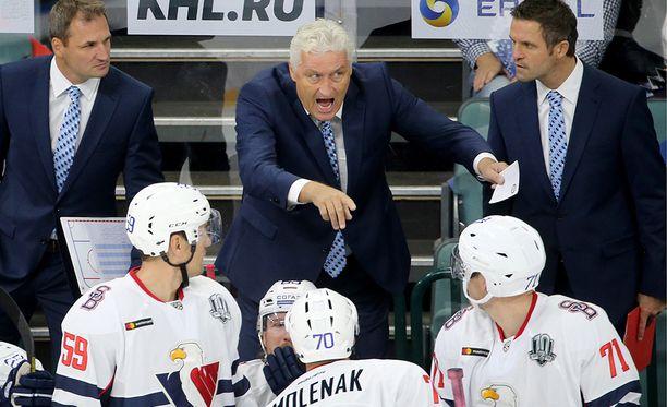 Milos Riha tunnetaan KHL:ssä tulisieluisena luotsina.