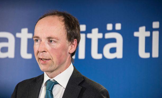 Jussi Halla-aho ilmoittautui mukaan perussuomalaisten puheenjohtajakilpailuun tällä viikolla.