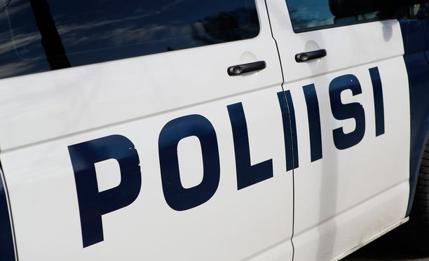 Poliisi varoittaa jälleen huijareista.