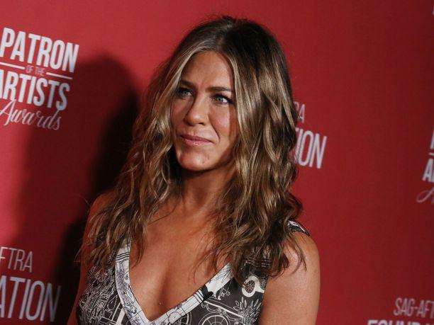 Jennifer Aniston paljastaa toisinaan erisätytyvänsä muista ihmisistä.