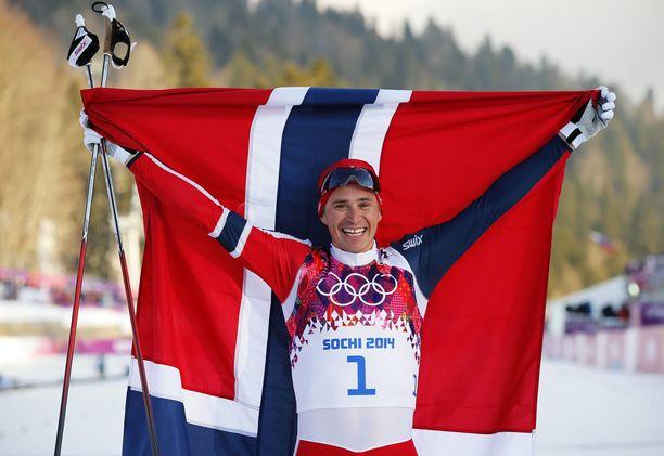 Ola Vigen Hattestad juhli olympiavoittoa Sotshissa 2014.