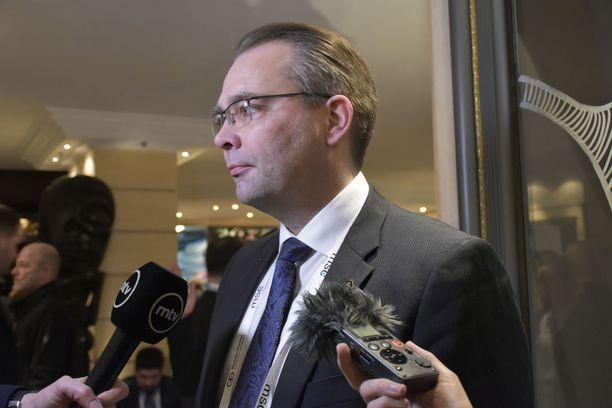 Puolustusministeri Jussi Niinistö pitää military mobility -hanketta tarpeellisena. Kuva Munchenin turvallisuuskokouksesta aiemmin tänä vuonna.